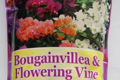 ENGRAIS BOUGAINVILLIERS ET PLANTES GRIMPANTES  17-7-10 de 1.8 Kg